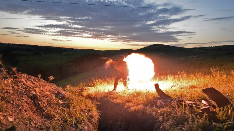 Війна на Донбасі: Бойовики обстріляли ци…