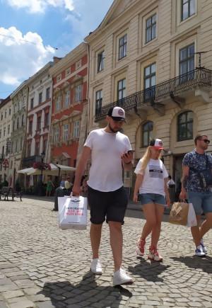 На каву до Львова: Який вигляд має Площа…