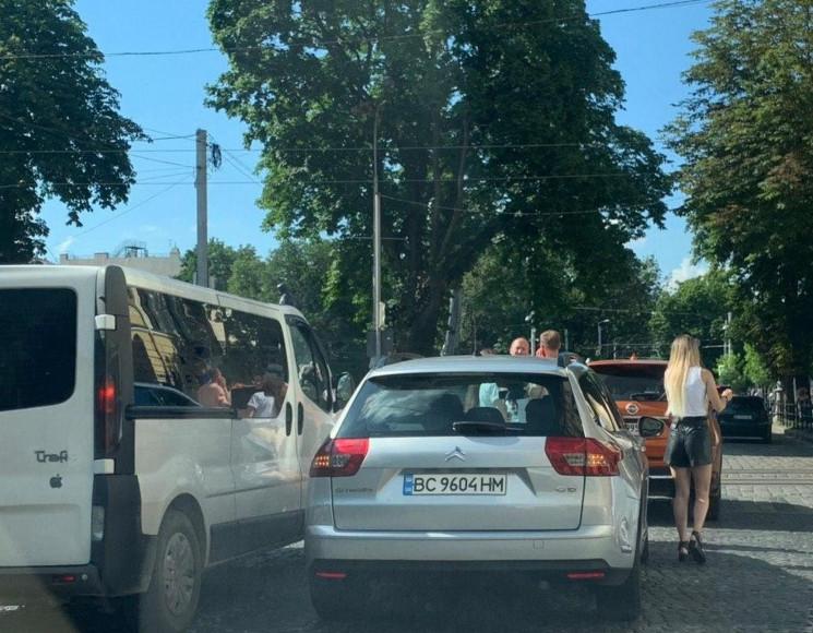У центрі Львова сталася ДТП (ФОТО)…
