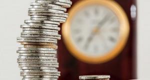 Пенсії, аліменти та платіжки за газ: Що…