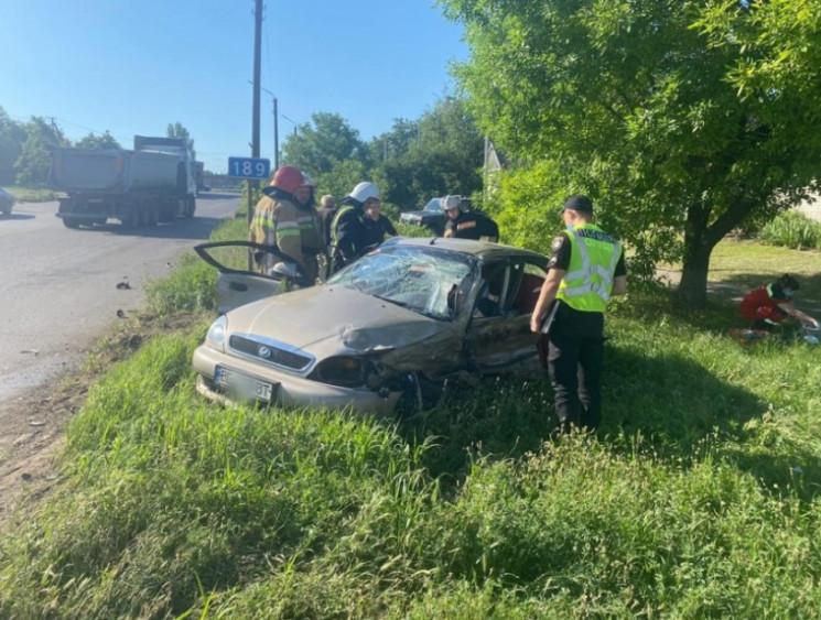 На Николаевщине столкнулись два автомоби…