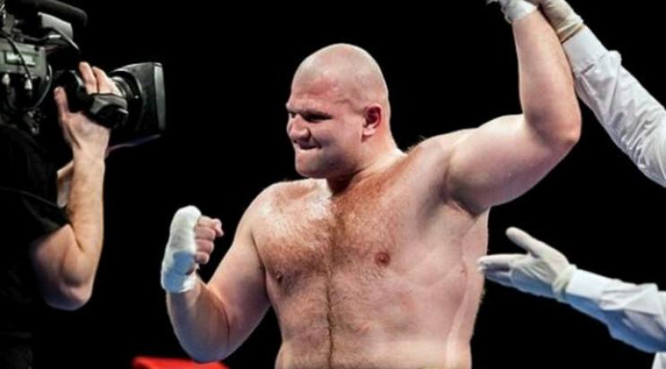 Як український боксер відправив суперник…