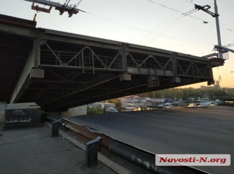 """У Миколаєві """"сам по собі"""" розвівся мост…"""