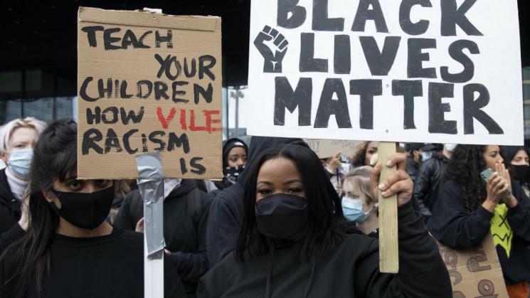 Протести чорношкірих у США: Чому українц…