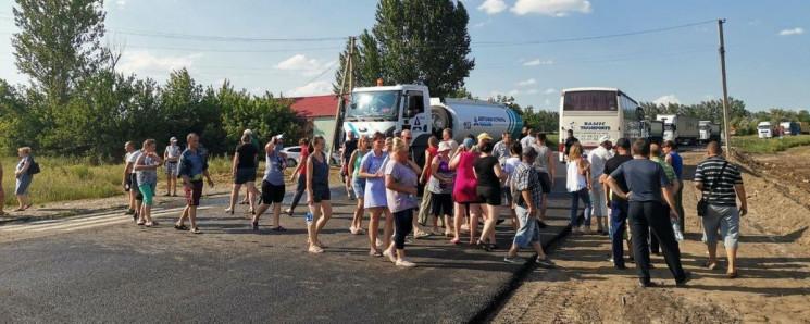 В Харківській області селяни заблокували…