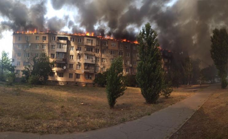 Огонь охватил крышу: На Херсонщине мужчи…