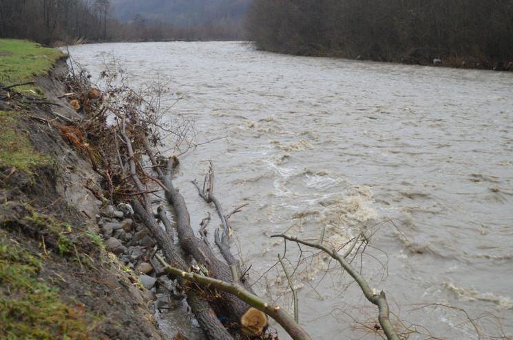 У річках Закарпаття підніметься рівень в…