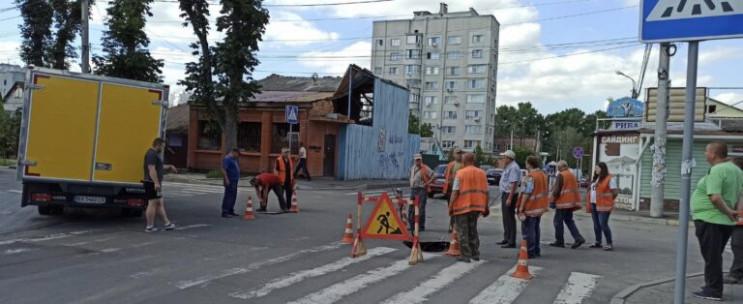 Посеред однієї з вулиць Хмельницького пр…