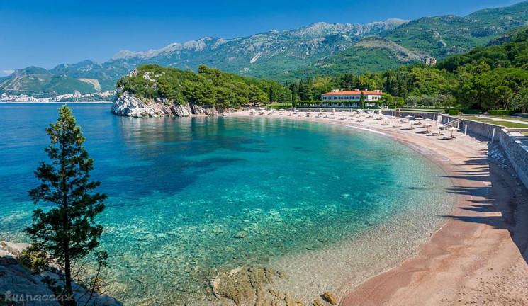 Тест на COVID-19 не потрібний: Чорногорі…