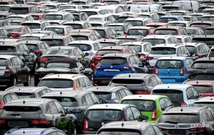 В Україні автовиробництво суттєво скорот…