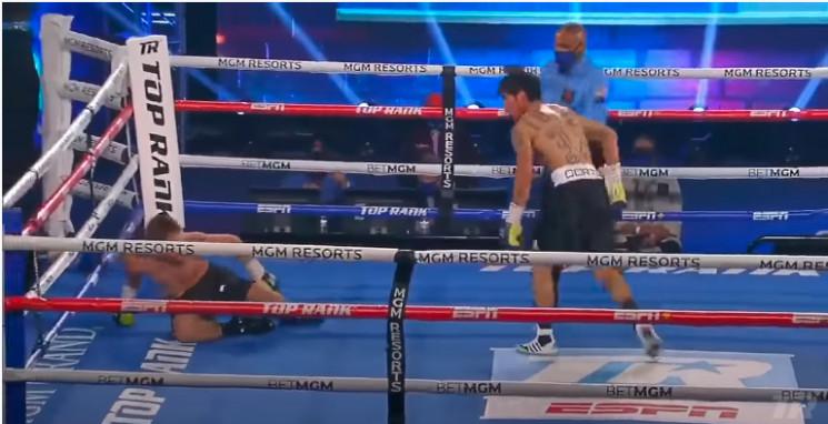 """Видео дня: Как боксеры """"вырубили"""" друг д…"""