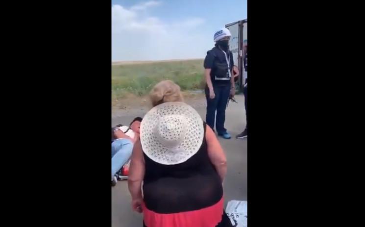 Жителі ОРДЛО стали перед членами ОБСЄ  н…