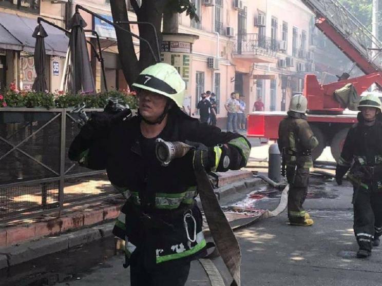Пожар в трехэтажке в Одессе локализовали…