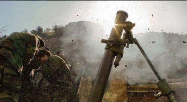 Обстрел и подрыв на взрывчатке: На Донба…