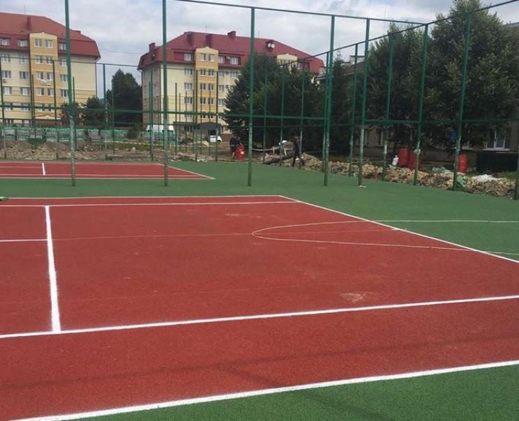В Мукачево продолжается масштабная рекон…