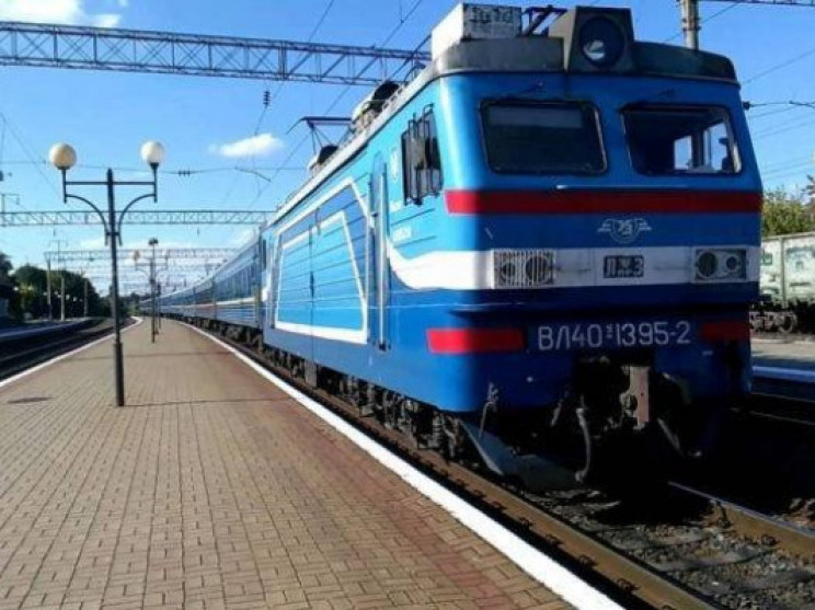 Укрзализныця запустит 34 пригородных и т…