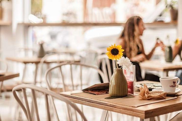 В Україні вже відкрилися 86% кафе та рес…