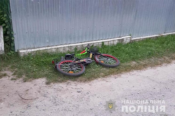 В Ізяславі маленький велосипедист потрап…