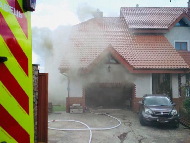 У Трускавці загасили пожежу у будинку (Ф…
