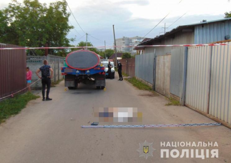 В Житомире грузовик насмерть сбил 5-летн…