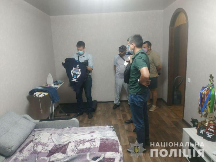 В Харькове обыскали дом молодого человек…