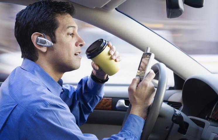 Горе-водіїв хочуть позбавляти прав і пер…