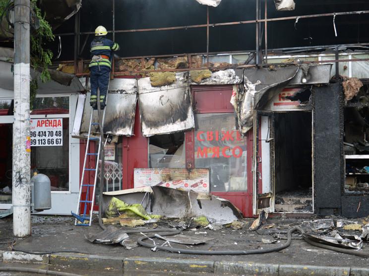 У центрі Дніпра згоріли п'ять кіосків…