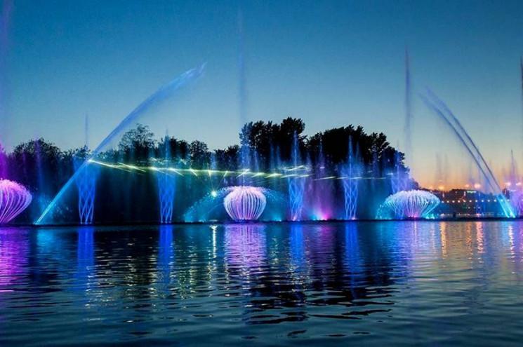 Відкриття вінницького світломузичного фо…