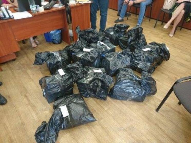 В офісах підрядника міськради Дніпра шук…