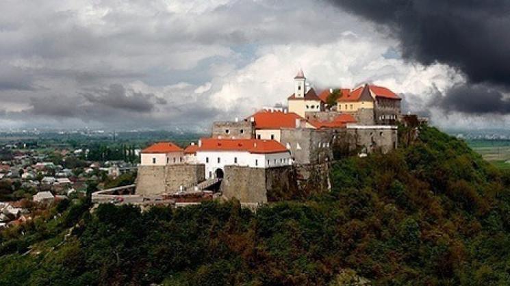 """Замок """"Паланок"""" запрошує на онлайн-квест…"""