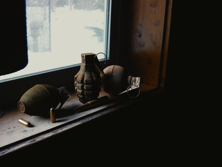 Закидали гранатами: В Одесі напали на ак…