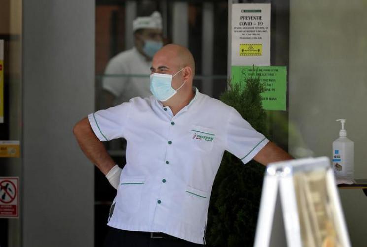 Україна тоне в коронавірусі: Майже 77 ти…