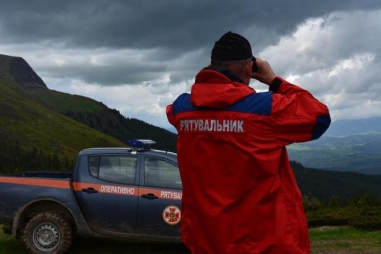 В горах Тячевщины ищут четверых заблудив…