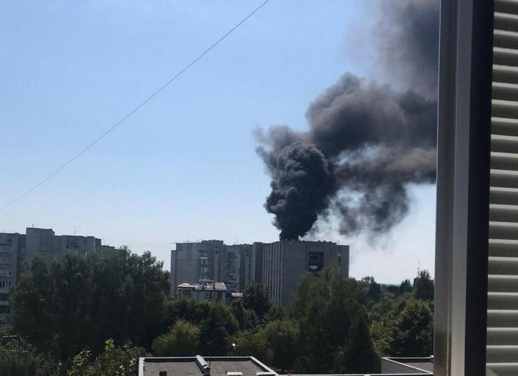 Во Львове загорелся многоэтажный дом (ФО…