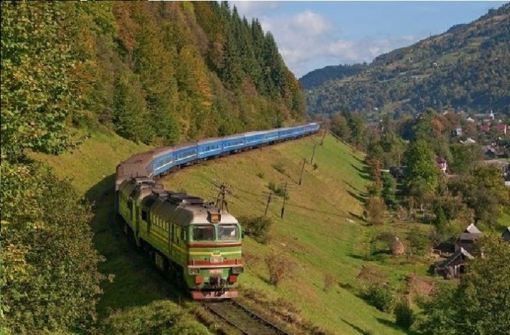 Поезд Харьков – Рахов будет стоять в зак…
