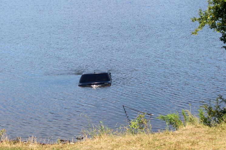 На Хмельниччині рибалка втопив свою маши…