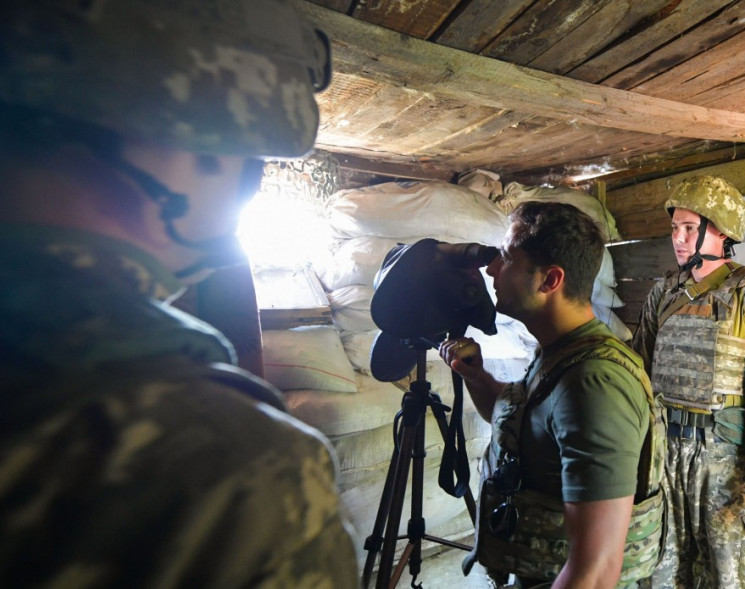 """Зеленському на Донбасі показали """"припине…"""
