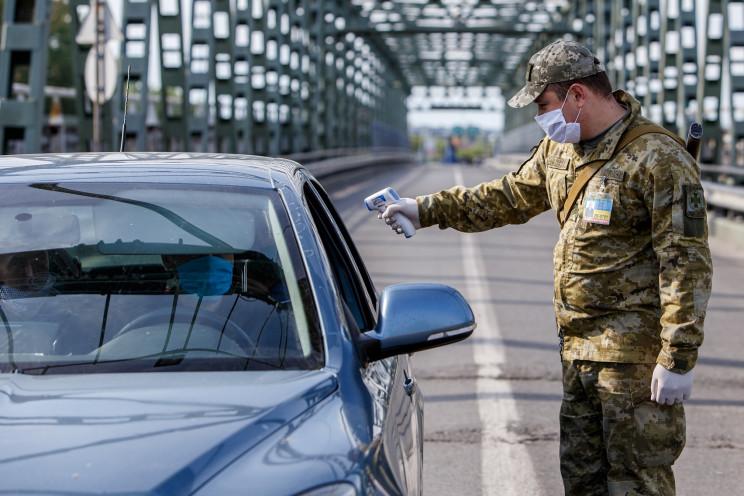 "На КПВВ ""Станица"" и ""Новотроицкое"" прекр…"