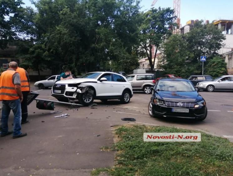 В центре Николаева столкнулись две машин…