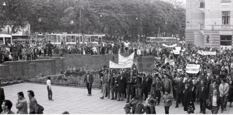 Як у Львові трамвай замінив тисячу людей…