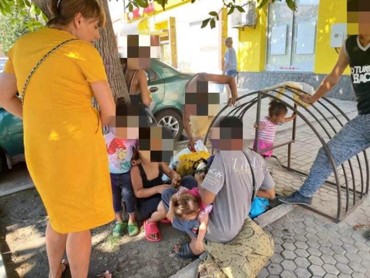 У Мукачеві група дітей та шахраїв видурю…