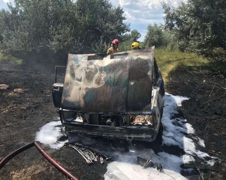 На Херсонщині вщент згорів легковик…