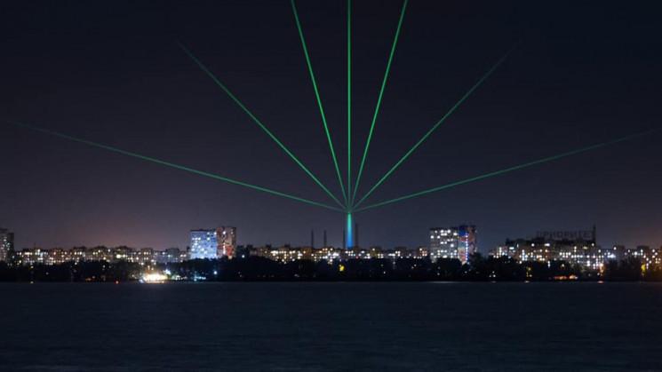 Над Дніпром можна буде побачити лазерні…
