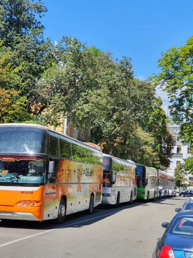 Сенченко: ОПЗЖ привезла автобусами мешка…
