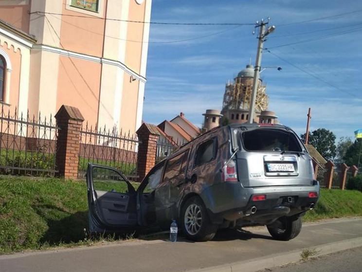 У Кам'янка-Бузькому районі автомобіль зл…