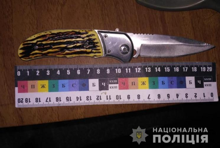 У Новодністровську ножем поранили 72-річ…