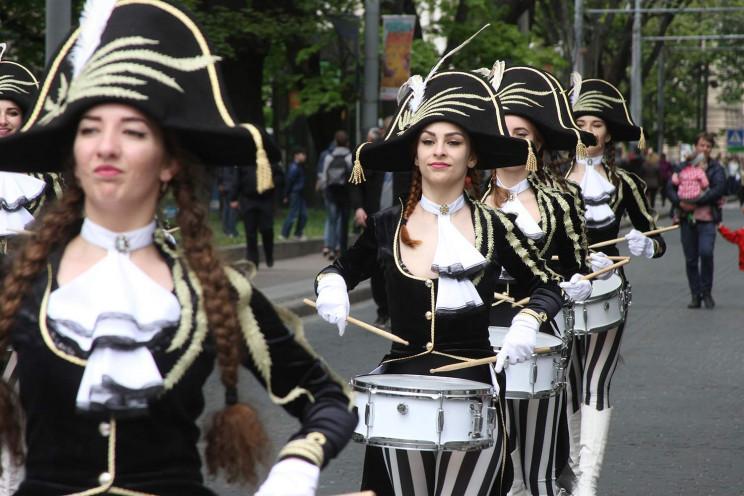 У Львові відбувся парад з нагоди Дня міс…