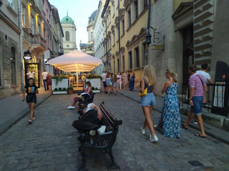 Як розважаються туристи у Львові (ФОТО,…