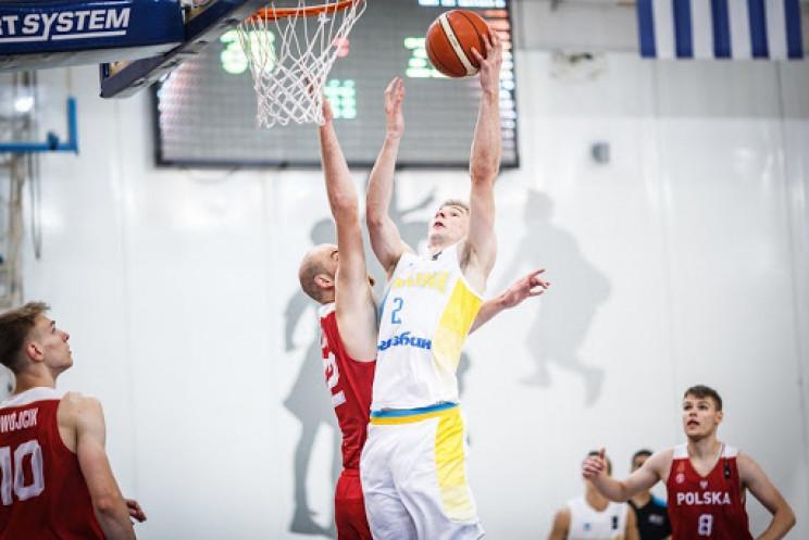 Український баскетболіст зламав щит, заб…