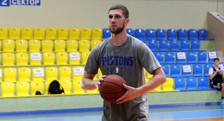 Зірковий баскетболіст НБА міг тренуватис…